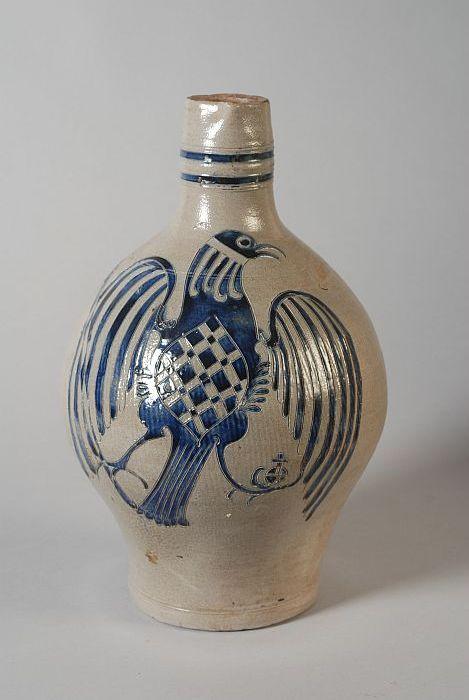 Steengoed kan met op de buik grote blauwe adelaar
