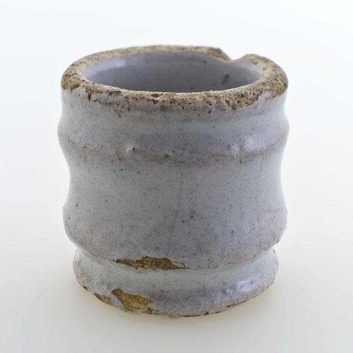 Aardewerk zalfpot, cilindrisch model, wit geglazuurd