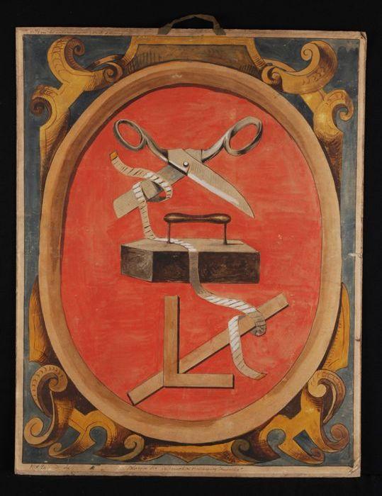 """Ontwerp voor blazoen voor kleermakersvereniging """"Amicitia"""", met afbeelding van schaar, strijkbout, rolmaat en winkelhaak"""