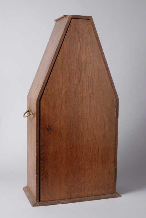 Bruin houten foedraal voor monstrans