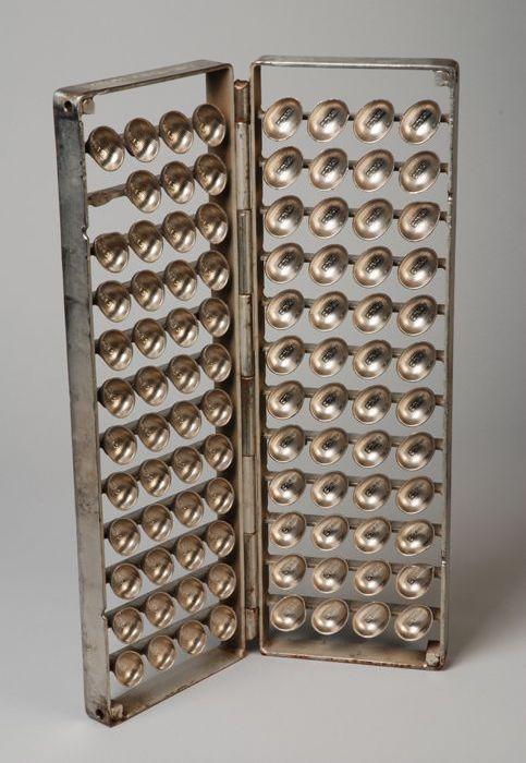 Dubbele scharnierende metalen gietmal voor chocolade- en suikerwerk Jamin: klein paaseitje